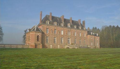 Loue chambres d'hôtes Château d'Auteuil à 60kms de Paris,15couchages