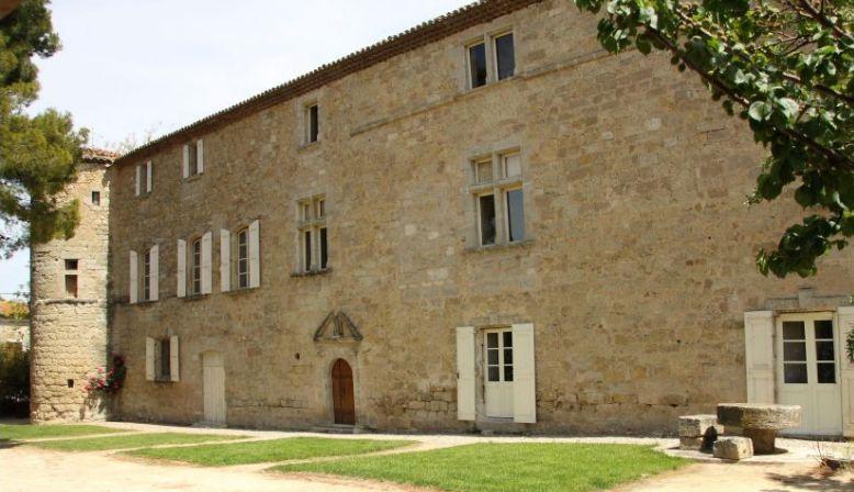 Loue château, Hérault, tout confort, piscine, 12couchages - Puilacher (34)