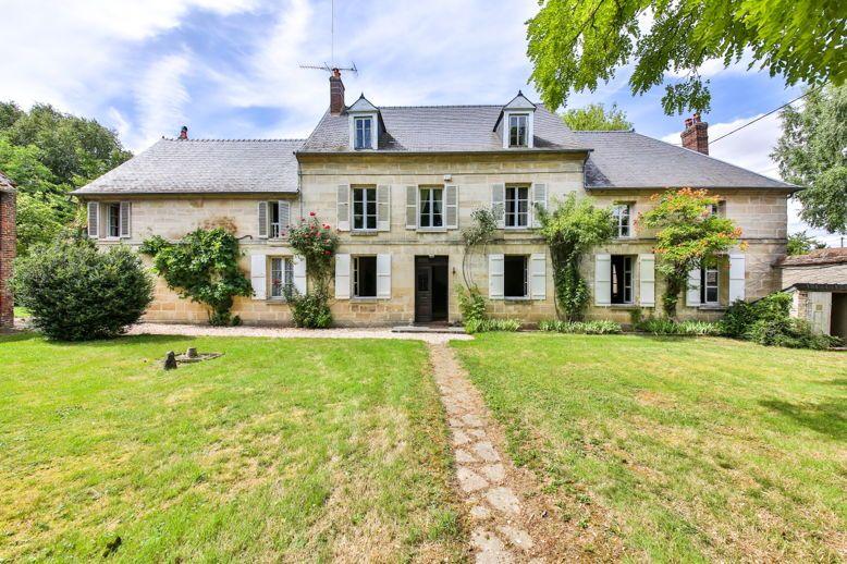 Vends très grande propriété de famille, 6chambres, 60km NW de Paris