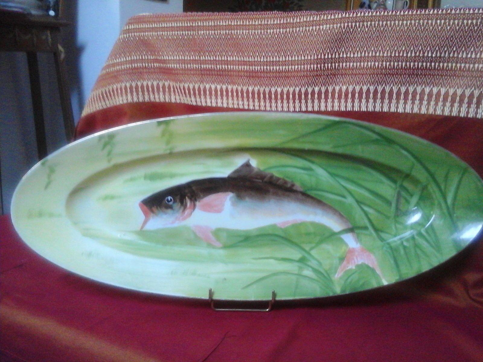 Ancien grand plat à poissons