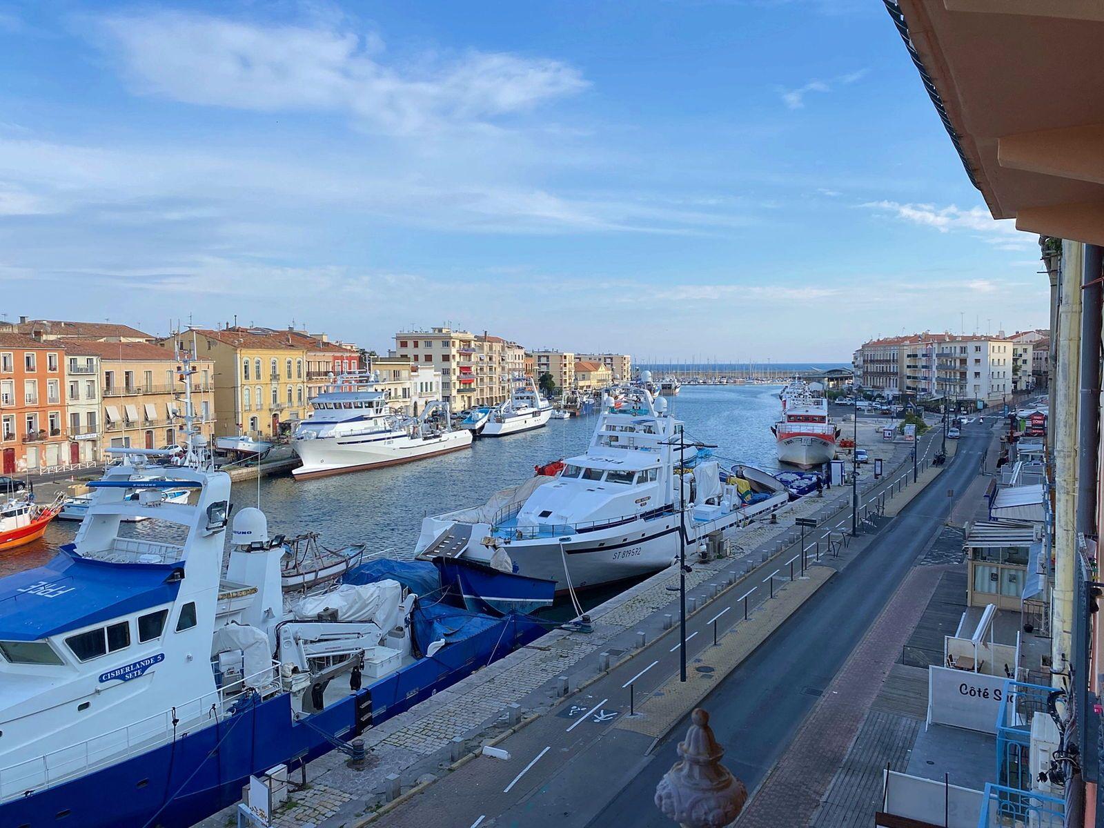 Sète (34) Loue appartment 83m² 5couchages vue Canal Royal,Port et Méditerranée