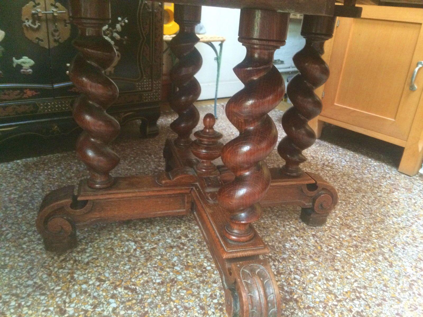 Belle table en chêne style Louis XIII baisse de prix