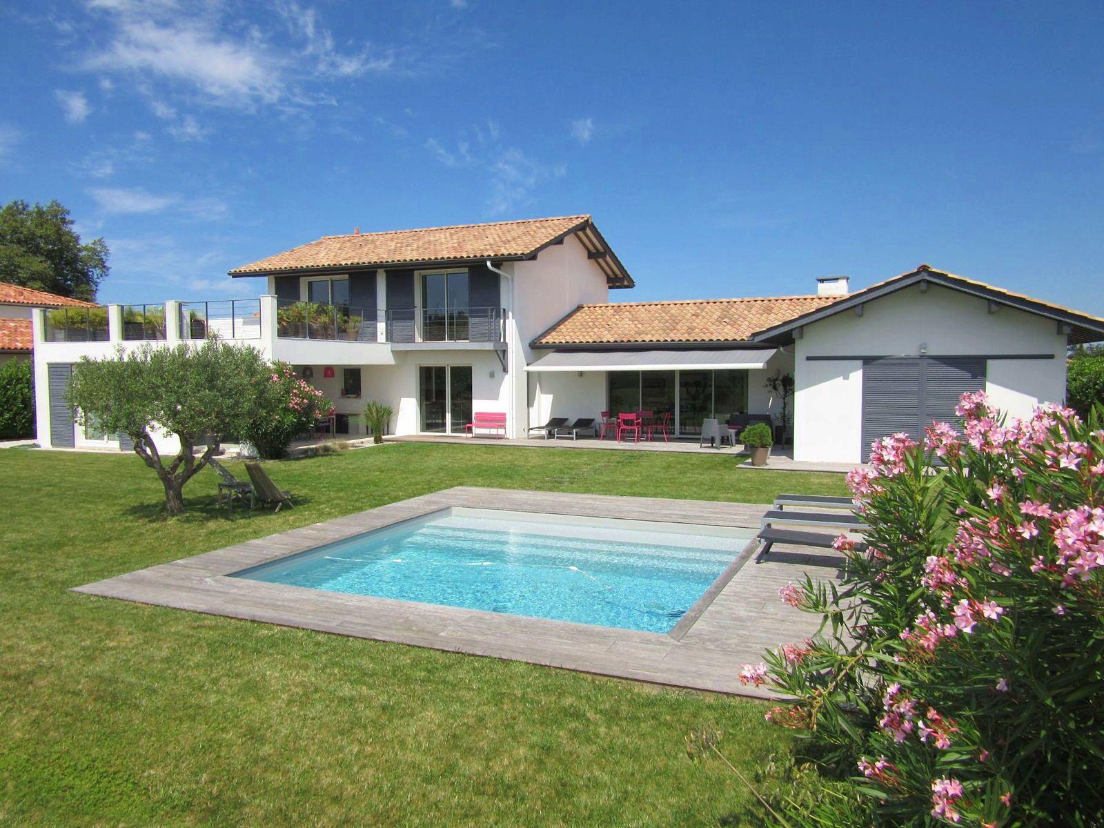 Loue villa d'archi 10couchages, 5chambres - Biarritz