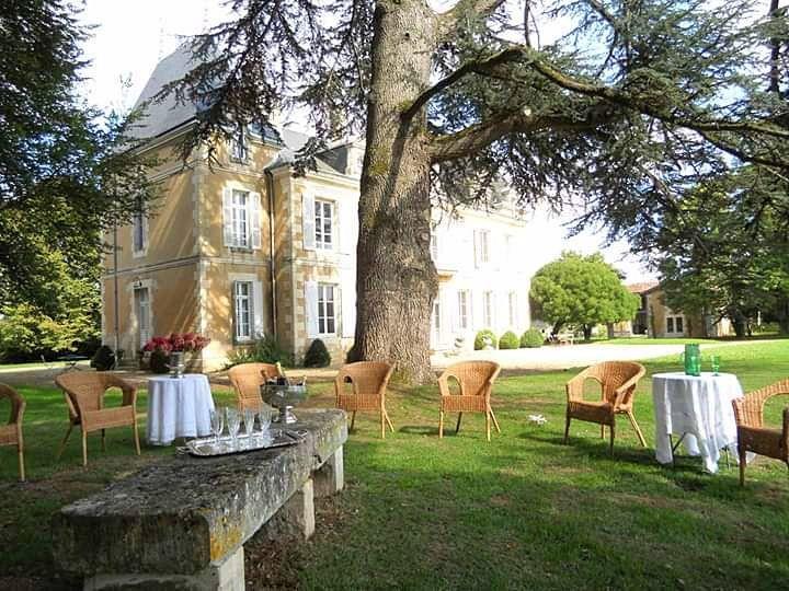 Loue Château de famille 10couchages Lavoux