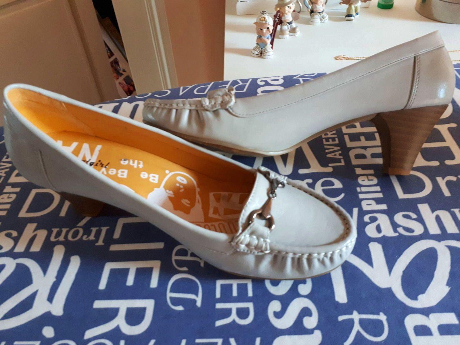 Vends chaussures, T 40,gris perle, comme neuves