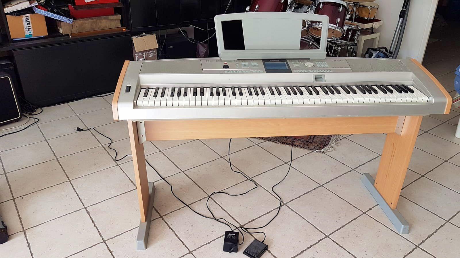 Clavier Yamaha DGX-505très bon état