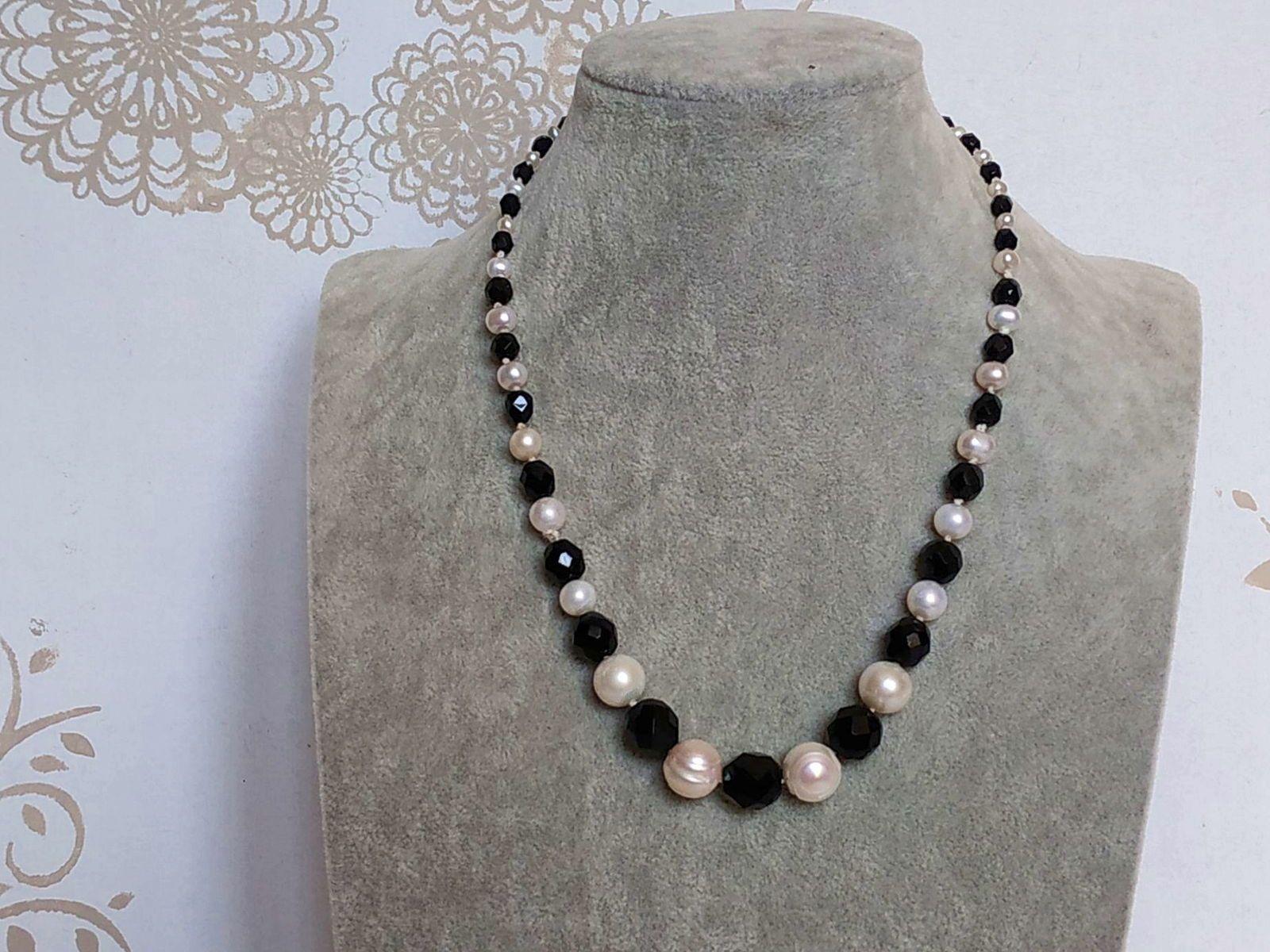 Collier en chute onyx et perles de culture