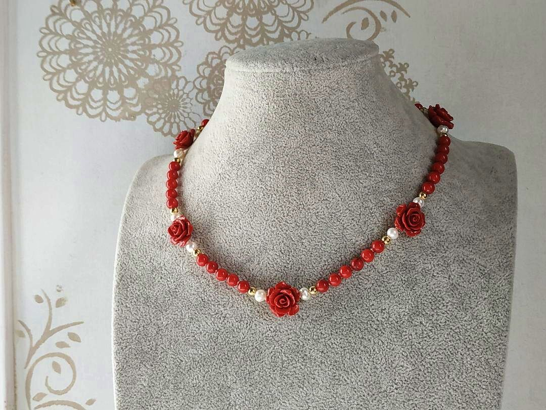 Vends collier de perles de corail