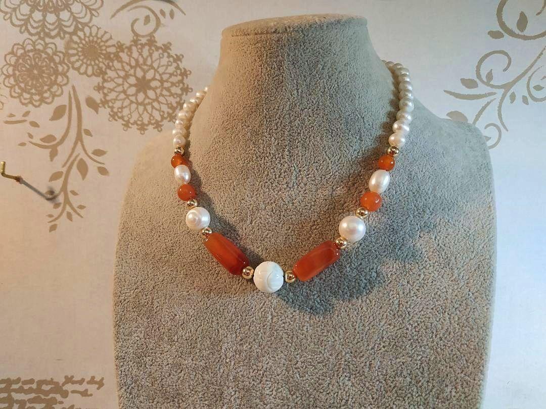 Vends Collier de perles de culture et Cornaline orange