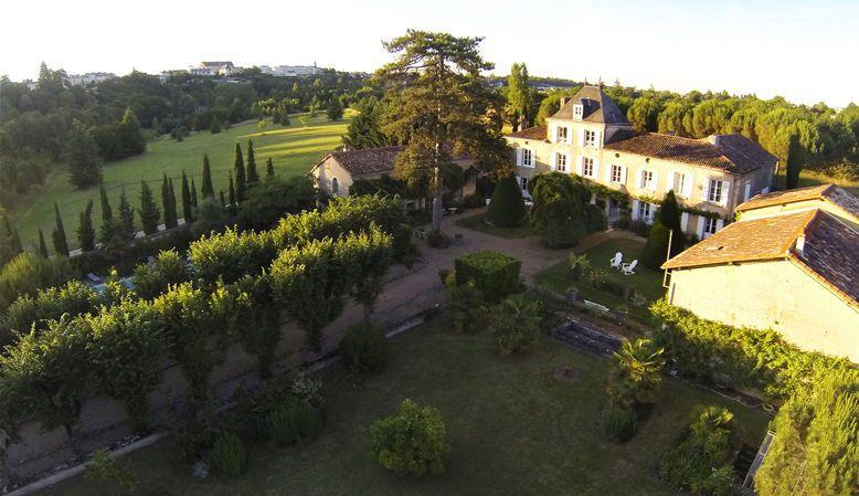 Loue Maison à Poitiers (86), piscine, rivière, 22couchages