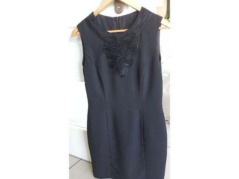 Vends une robe noire