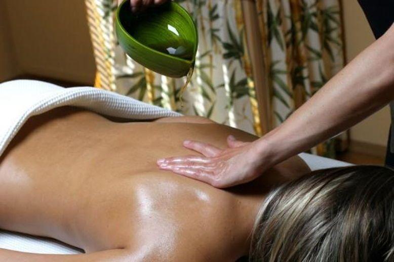 Réflexologie plantaire et Massage Ayurvédique, soins régénérants visage