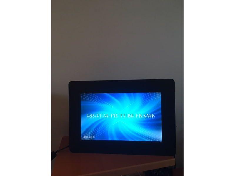 Vends cadre numérique Braun Digiframe 1020neuf