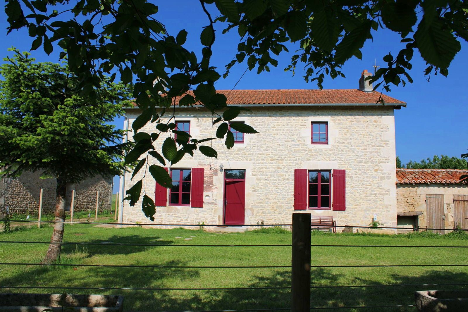 Beau gîte de 9couchages en Charente Limousine