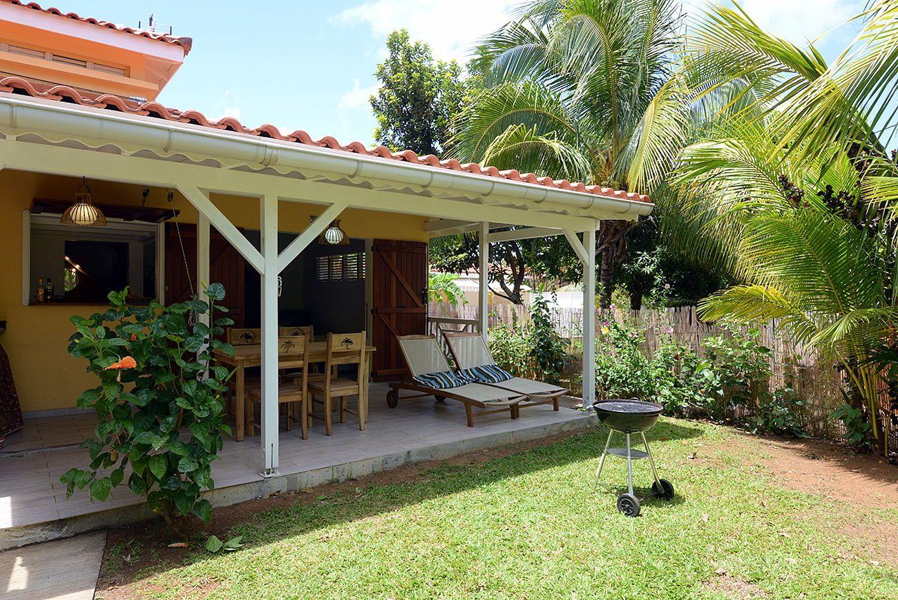 Loue Gîte avec jardin et piscine à l'Anse à l'Ane - 1chambre 4couchages