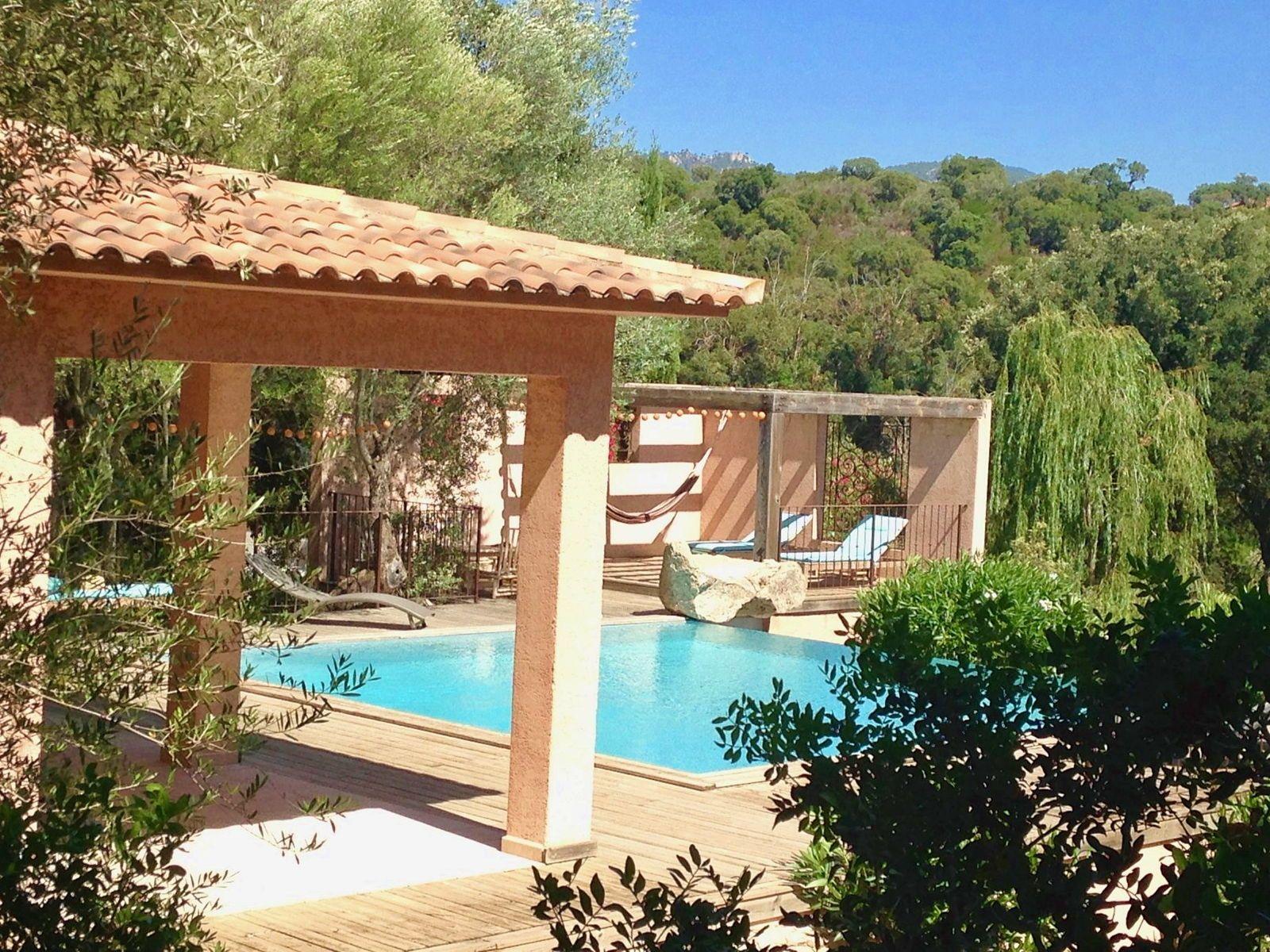 Loue Ste Lucie Porto-Vecchio villa charme et nature, piscine privée, 6couchages