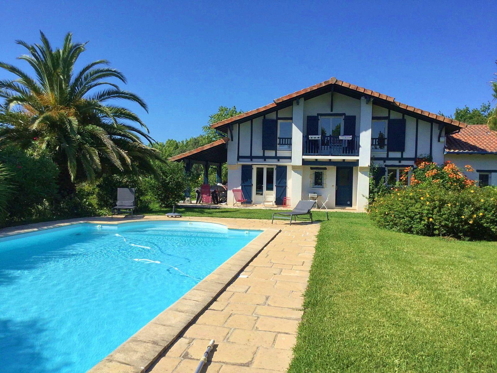 Loue maison avec piscine, 6à 8couchages, 4chambres, Biarritz (64)