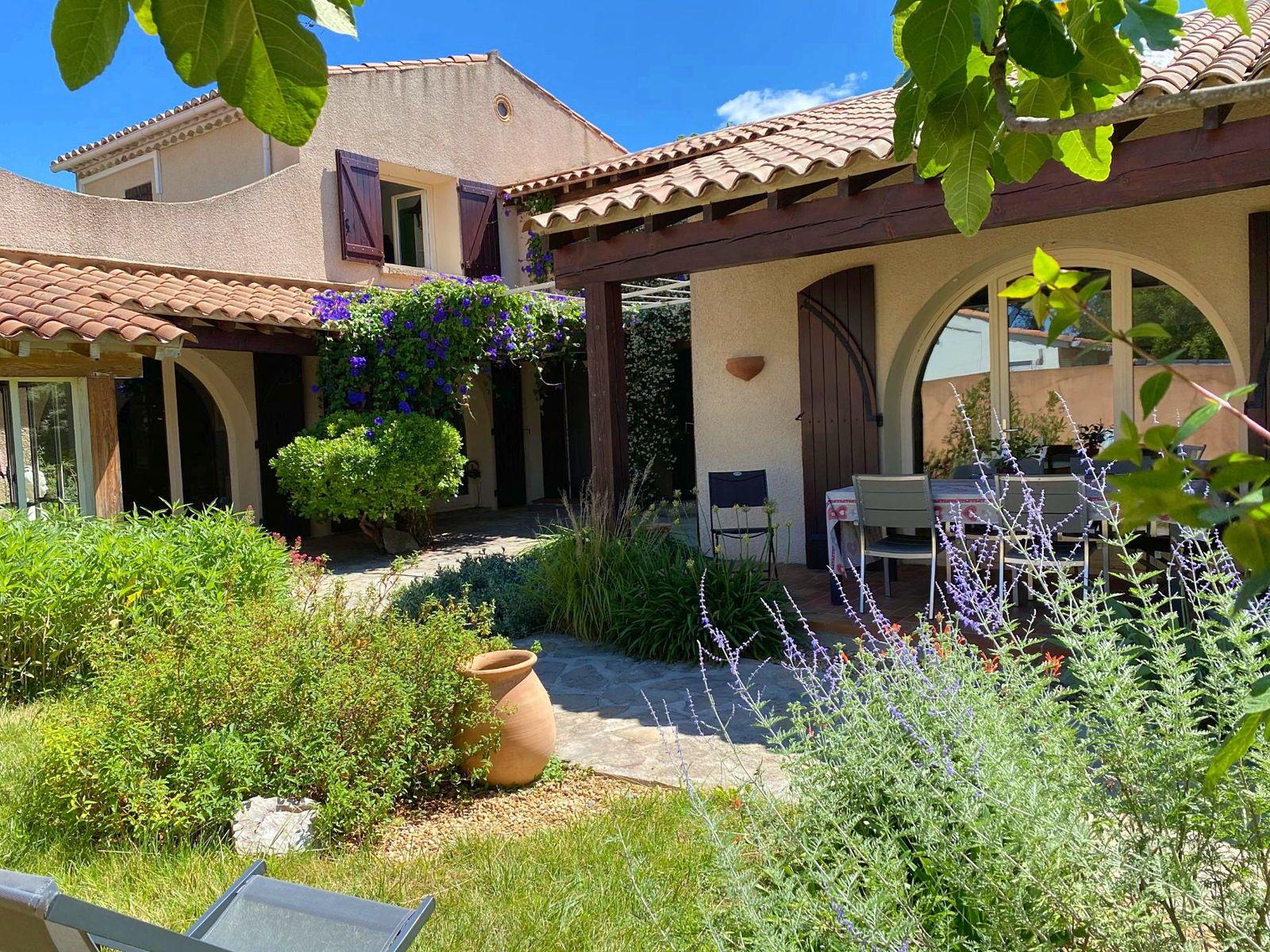 Loue maison spacieuse Montpellier Castelnau le Lez proche mer et ville - 8couchages