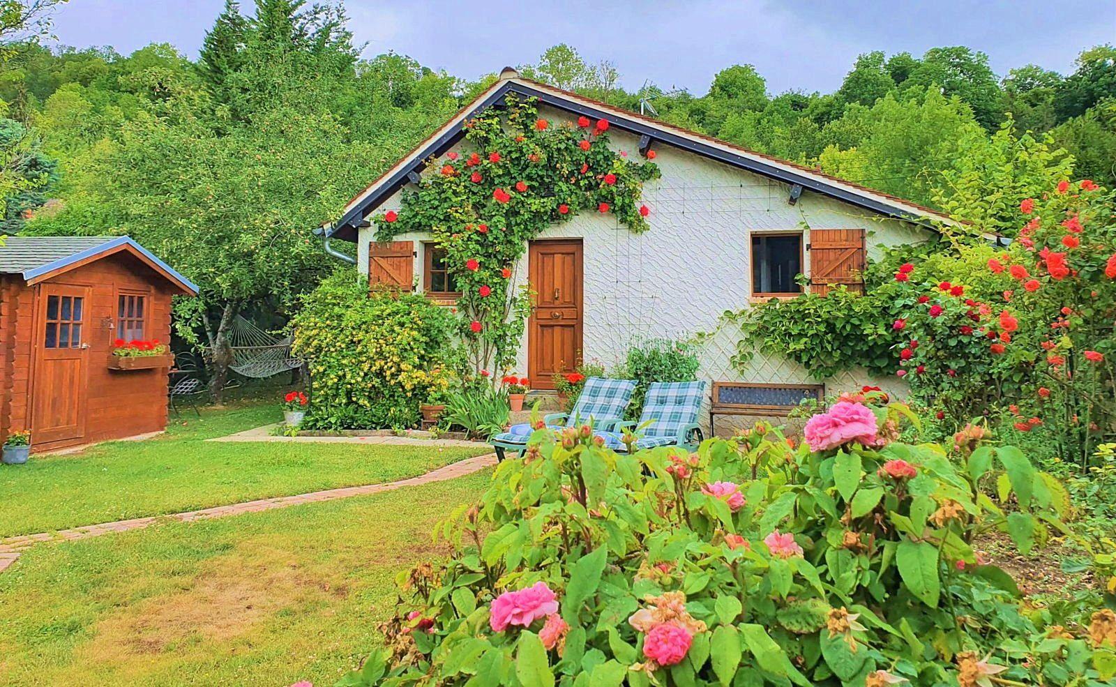 Loue ravissante maisonnette 2couchages, calme et romantique, à 70km ouest de Paris, à 2km de Giverny (27)