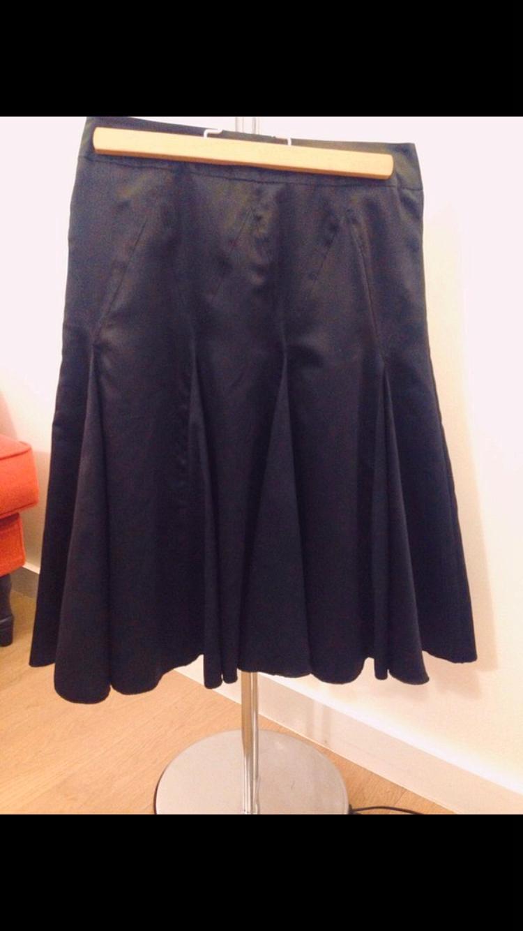 Vends jupe noire mi-longue, marque Camaïeu, T36