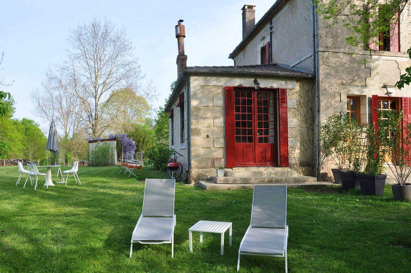Loue appartement 2pièces proche Bergerac - 1couchage - Église-Neuve-d'Issac (24) (1h de Bordeaux)