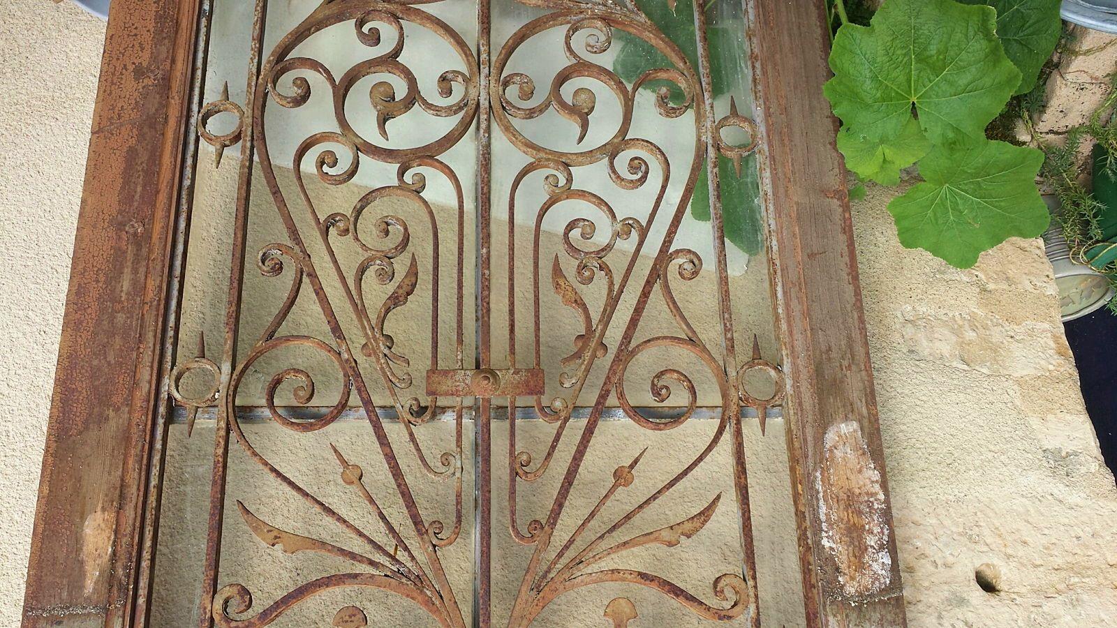 Porte d'entrée ancienne bois & fer forgé Coeur Chouan Fenetre