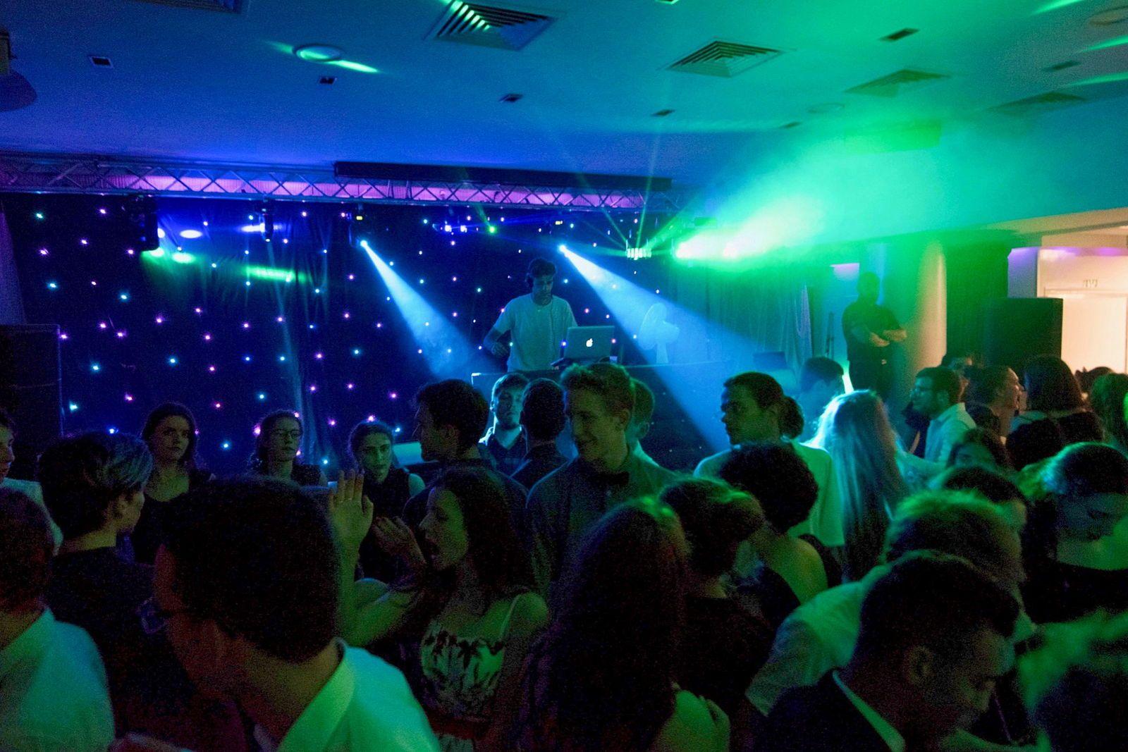 Préstation soirées - Musique et Lumières - DJ