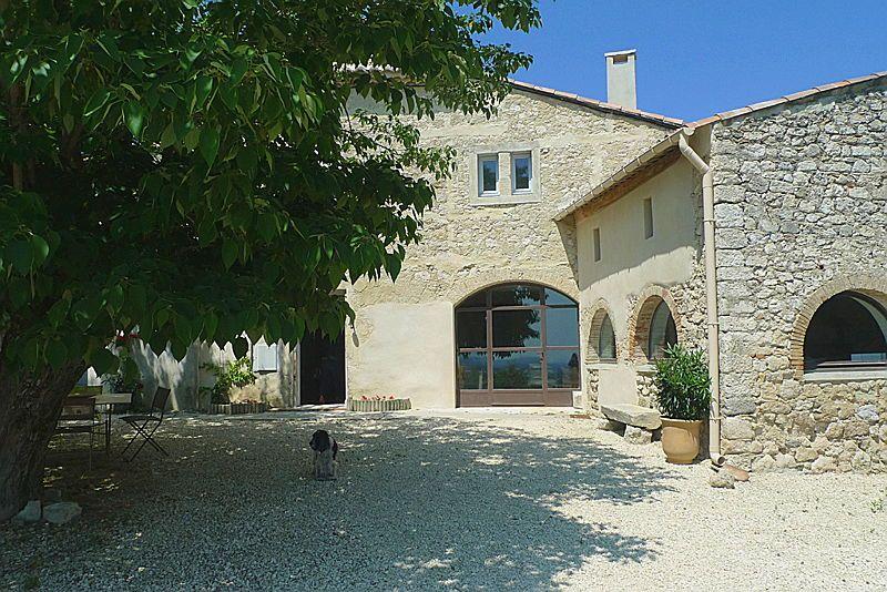 Loue en PROVENCE charmante ferme restaurée avec PISCINE, 4chambres 8/9couchages - La Garde-Adhémar (26700)