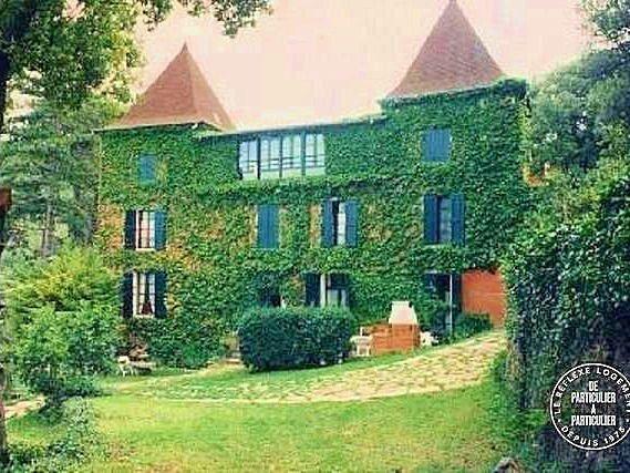 Loue spacieuse maison du XIXème, 8chambres / 16couchages, piscine, tennis et pétanque privés - Tour-sur-Orb (34)