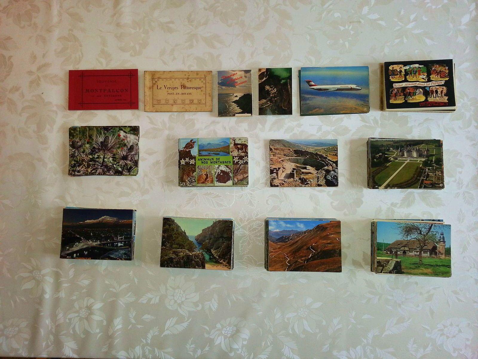 L'univers expliqué en beauté, livres, nombreuses cartes postales