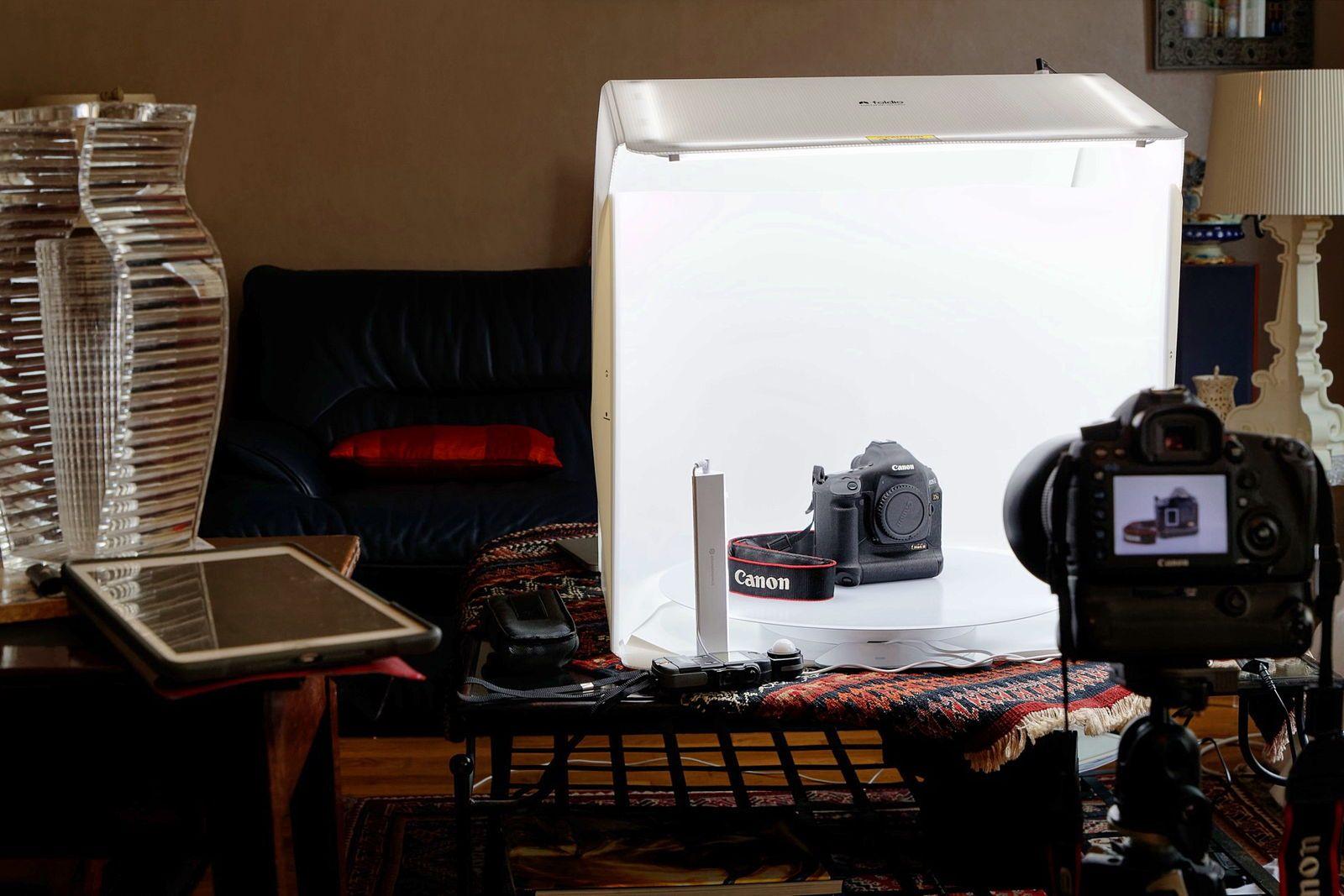 Photographe propose ses services pour mettre en valeur vos produits, pour Internet, Facebook, Instagram,…