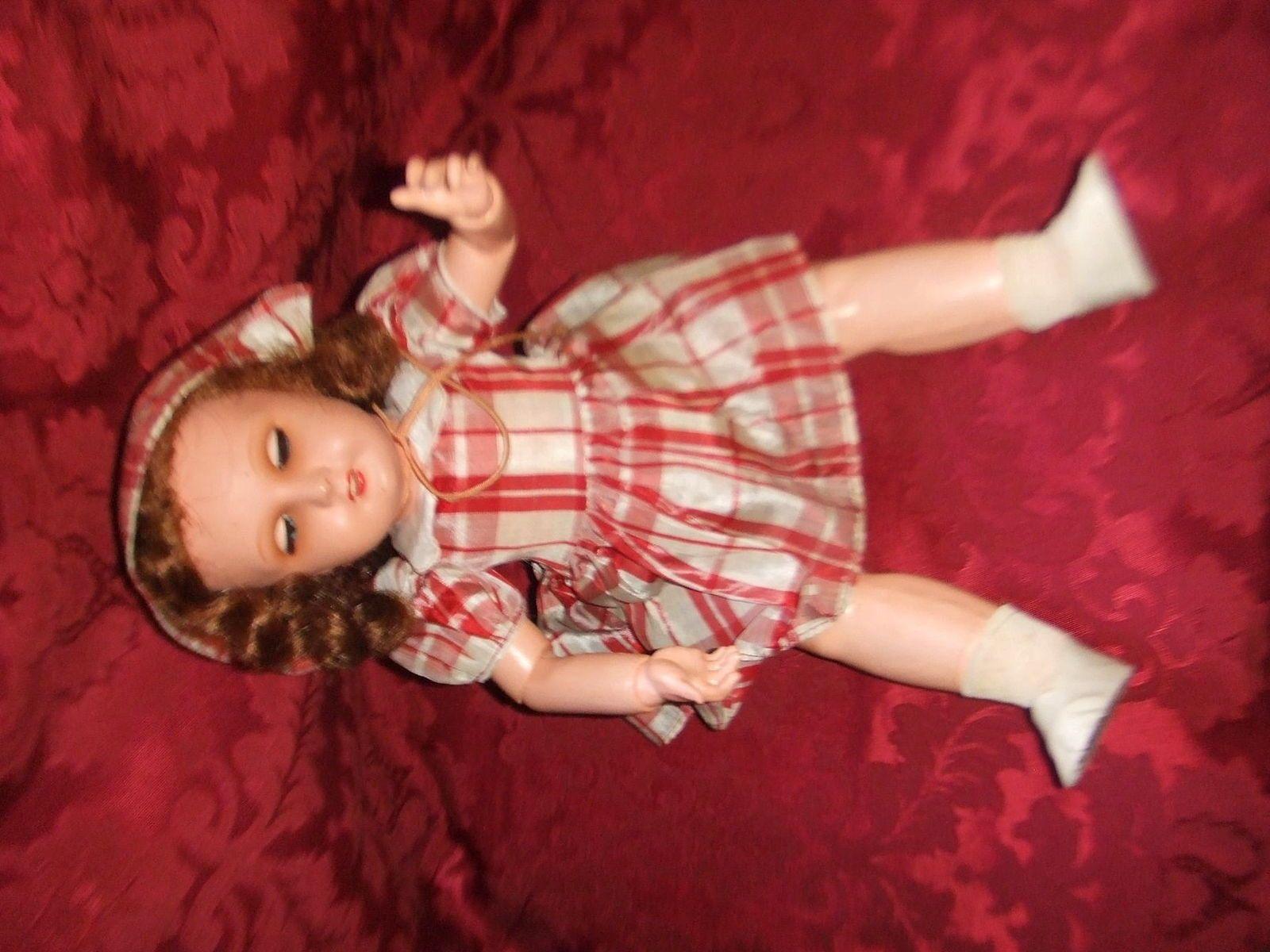 Vends belle poupée ancienne de collection BLEUETTE