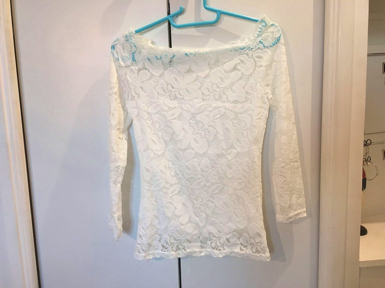 Vends top blanc taille 36(XS) neuf