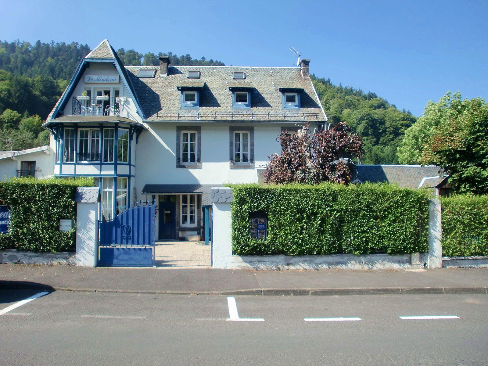 Vends Demeure de caractère 415m² 6chambres au centre du Mont Dore