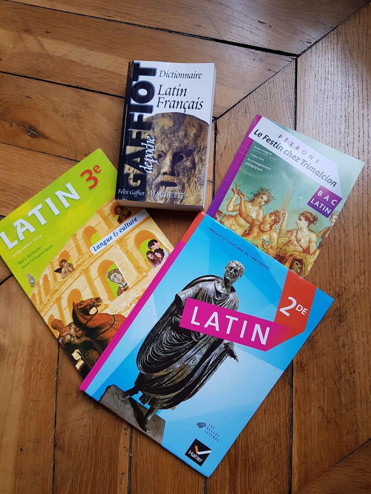 Vends un Lot de livres de Latin option BAC Terminale L
