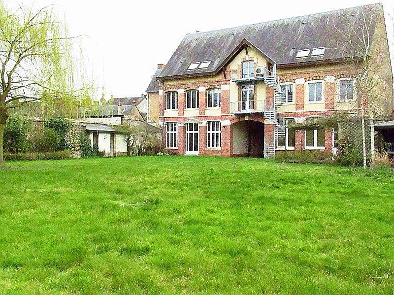 Vends maison 530m²/6chambres à Le Lude (72800)