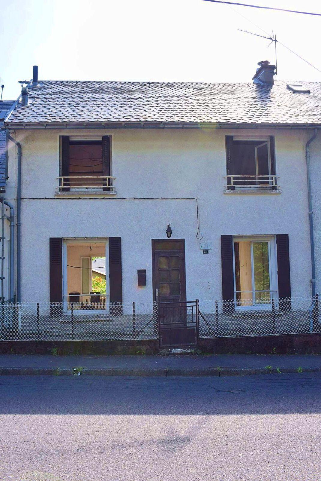 Vends maison 120m² à rénover avec jardin en Auvergne