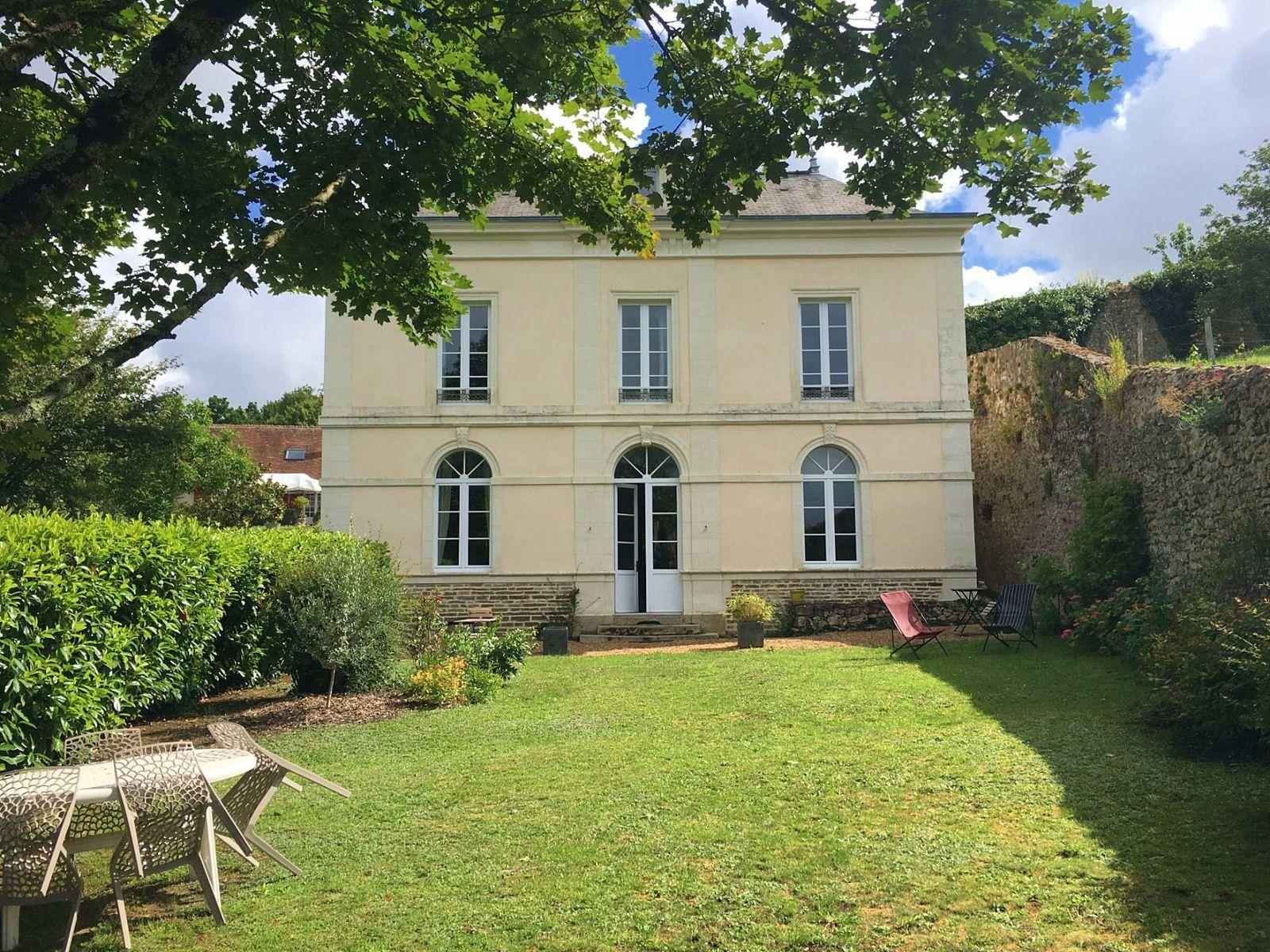Vends maison de maitre 5chambres 190m² à Juigné sur Sarthe