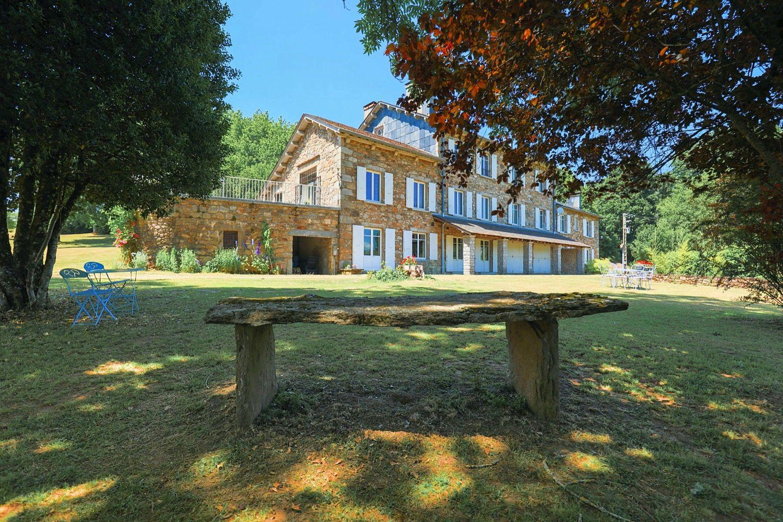 Vends Maison de Maitre avec Dépendances sur parcelle de 20ha - 9chambres, 500m² (34)