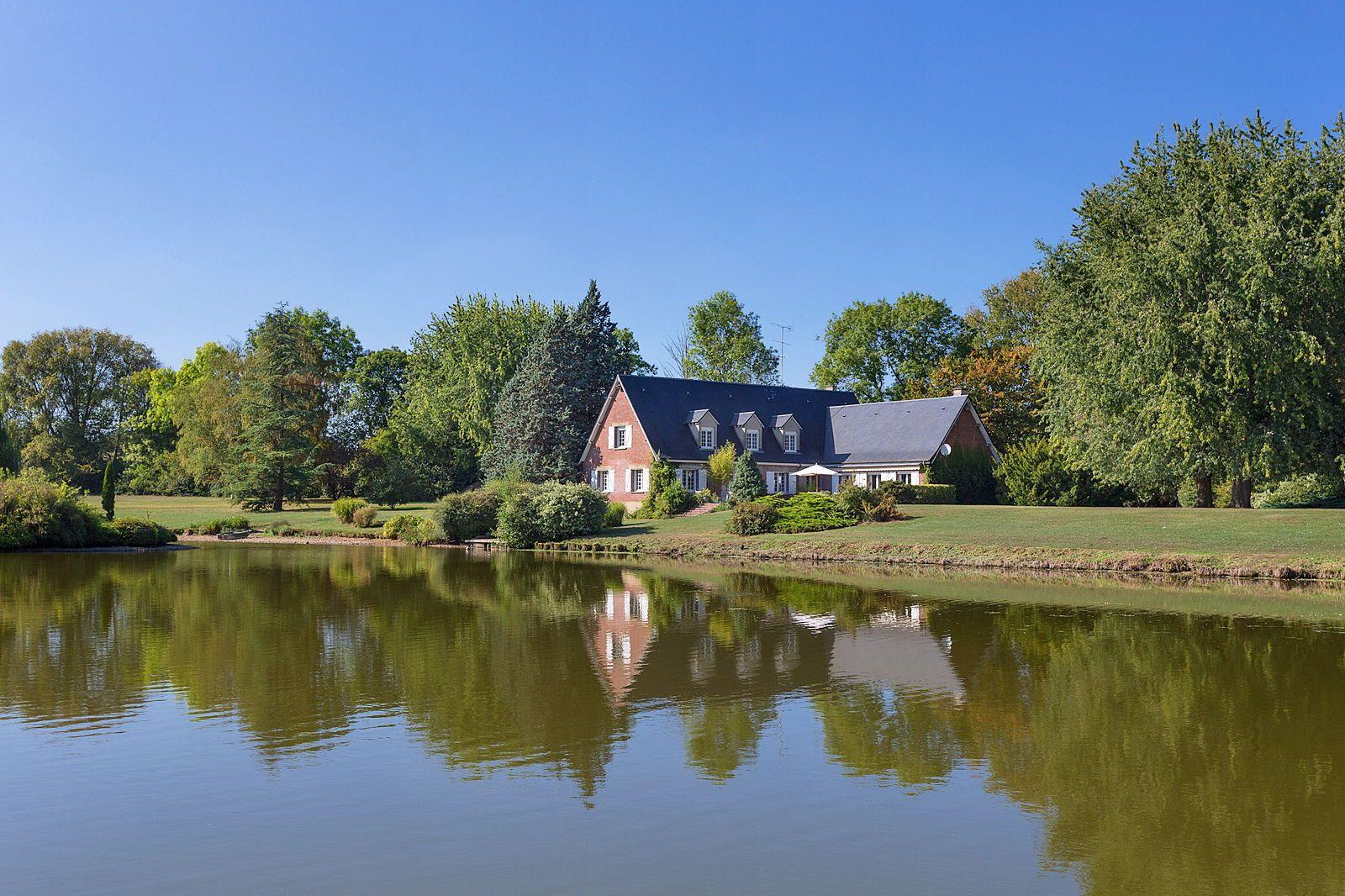 Vends belle demeure de 370m² sur 9ha, à 15km de Beauvais