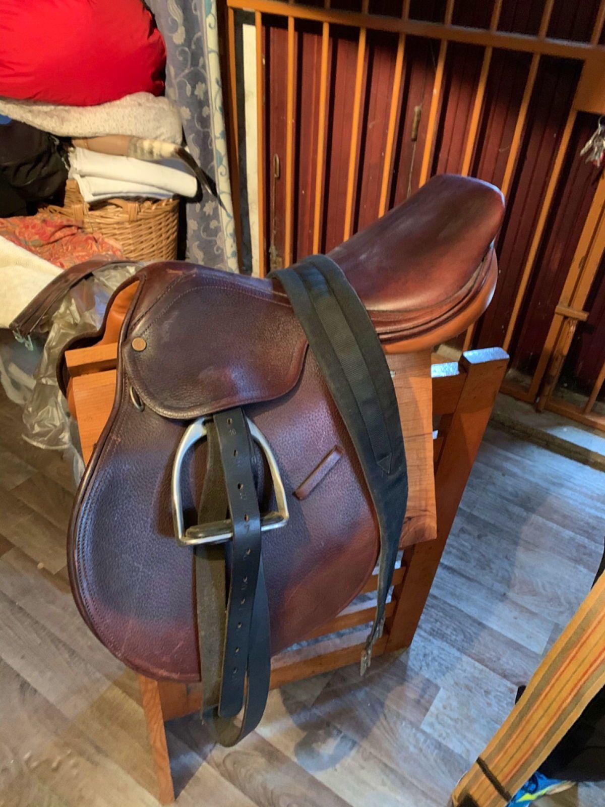 Vends selle d'équitation en cuir