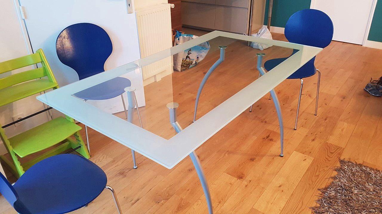 Vends table en verre L160x l90x h75cm excellent état