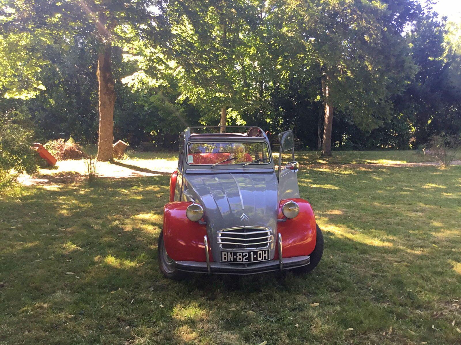 Loue Citroen 2cv avec chauffeur pour vos événements - Toulouse