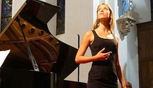 Chanteuse soprano: animations célébrations et récitals