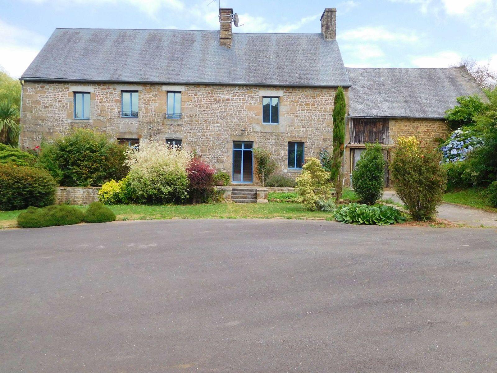 Vends Maison | Saint-Aubin-de-Terregatte (50240) - 9pièces - 250m²