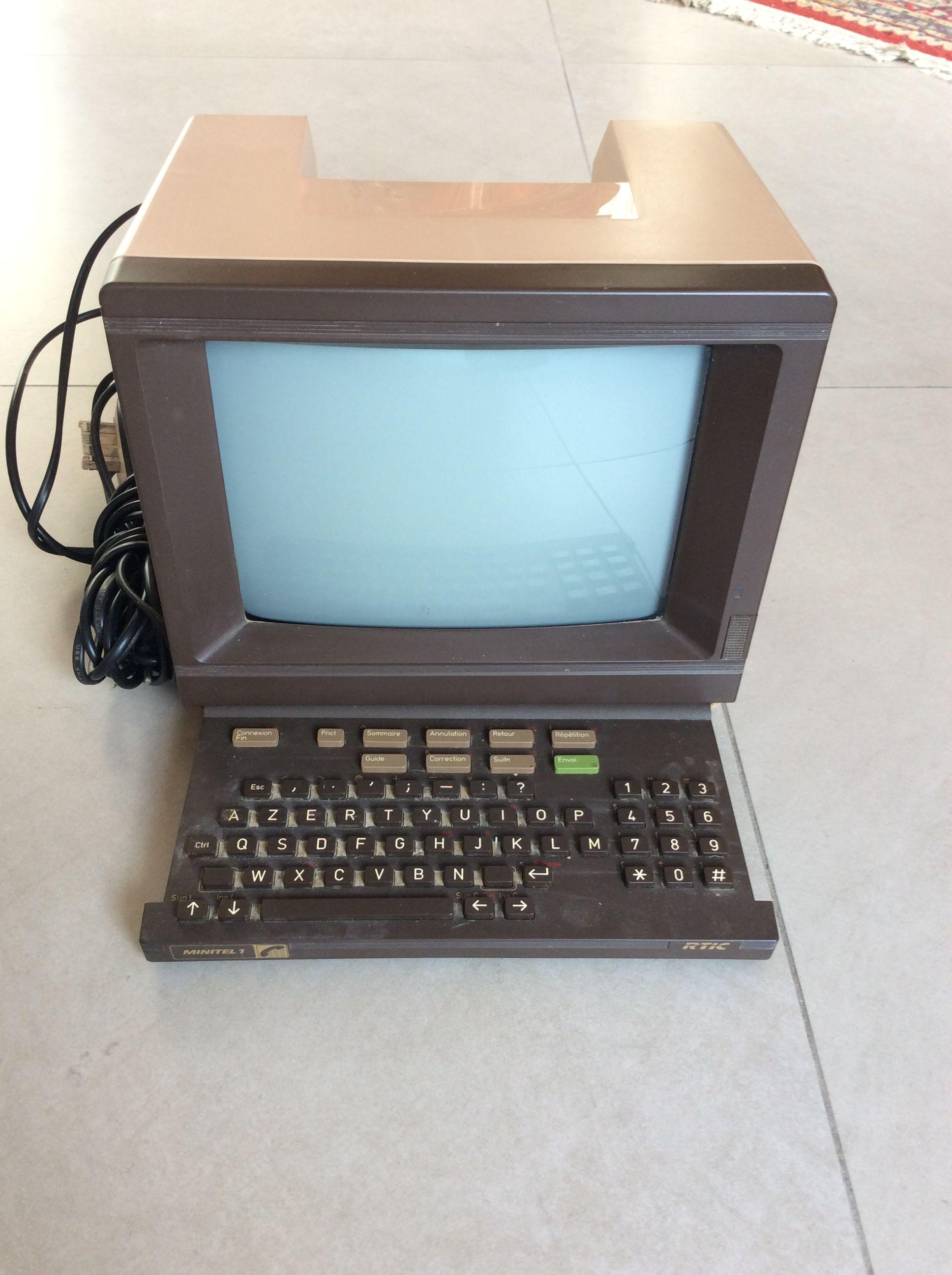 Ancien Minitel9NFZ 330de France Telecom