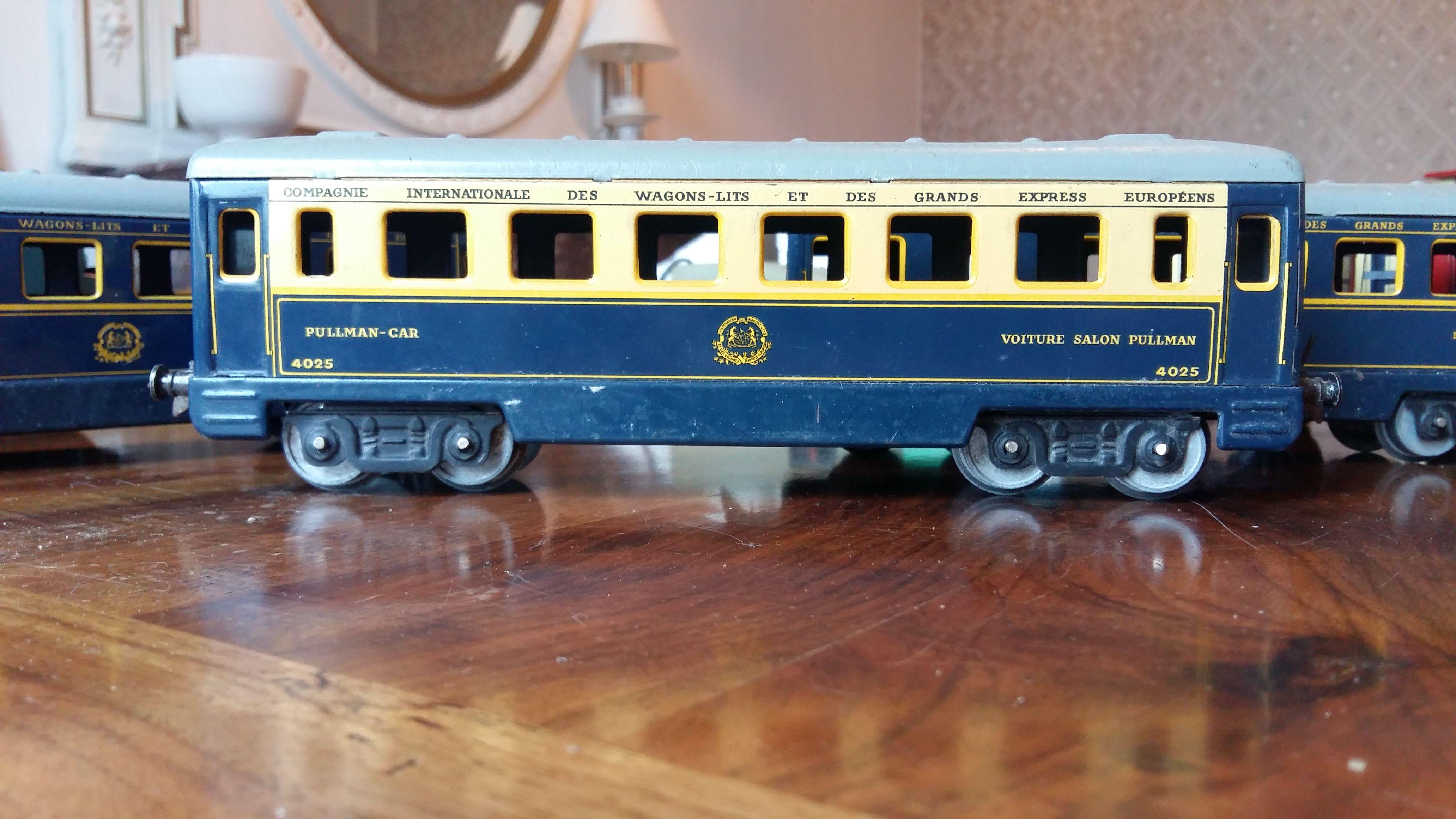 TRAIN HORNBY AVEC RAILS