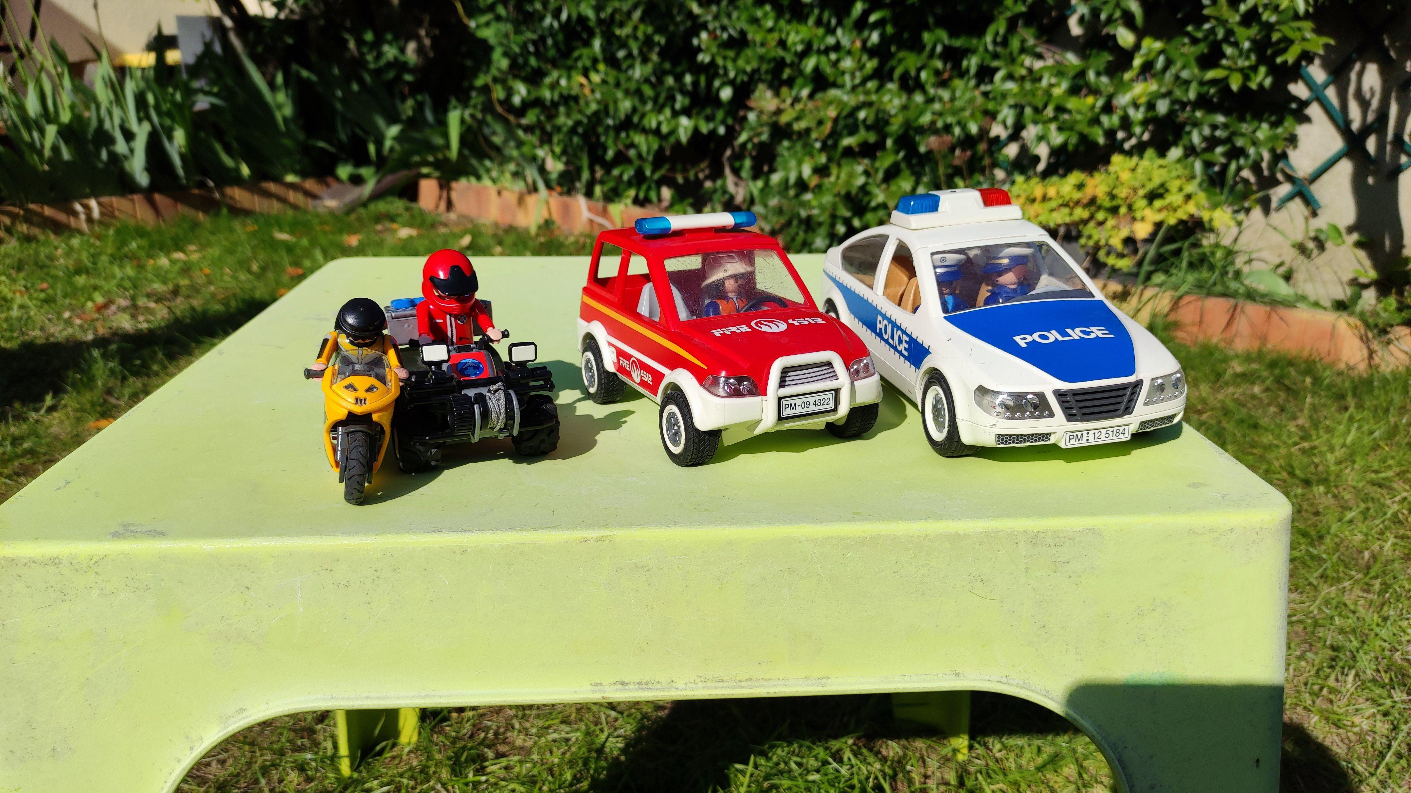 Vends lot de véhicules de secours Playmobil