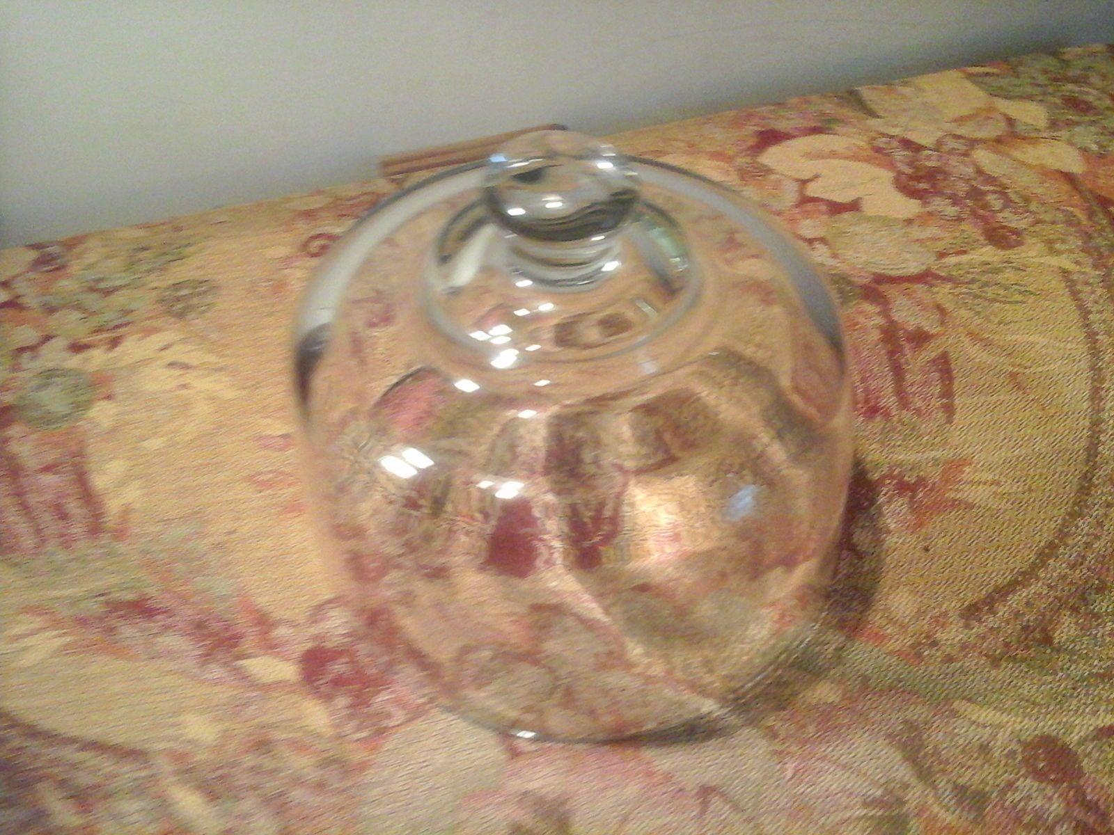 Ancienne cloche en verre soufflé