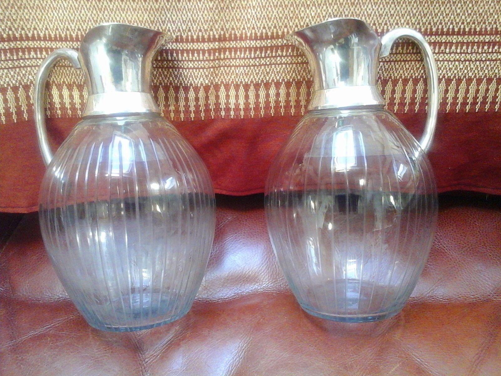 2anciens brocs à eau en verre soufflé et monture métal argenté